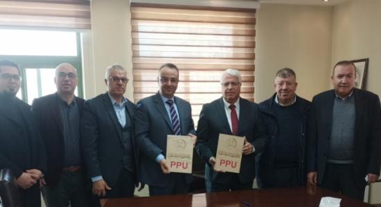 Palestine Polytechnic University (PPU) - كلية الطب وعلوم الصحة في جامعة بوليتكنك فلسطين تنظم مع المستشفى الأهلي ومستشفى الخليل الحكومي تنفيذ التدريب السريري لطلبتها